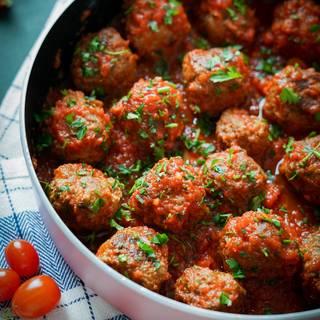 Easy Meatballs Recipe with Tomato Sauce