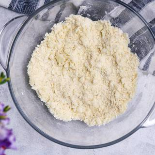 Combine the flour and butter together well with your hands. The mixture should be like bread crumbs. You need to use your fingers to mix them not your palms.