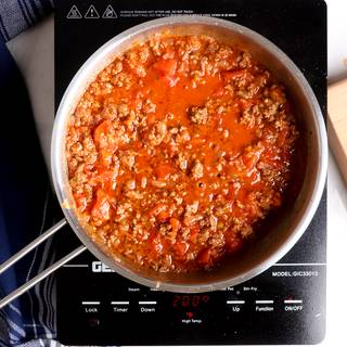 cooking meat sauce for lasagna