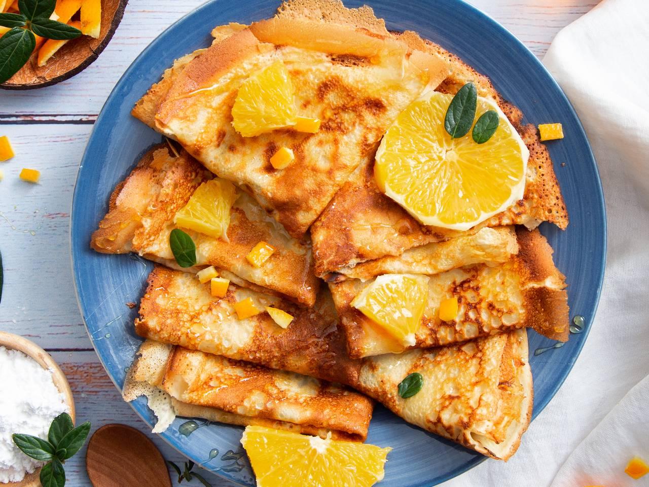 Crepe with honey and orange