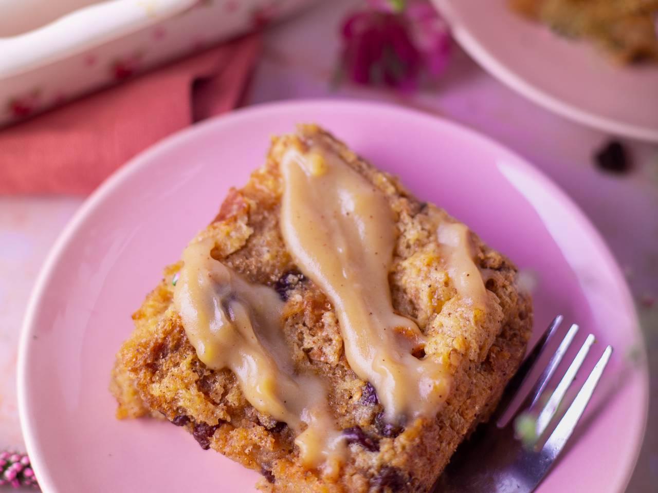 Cinnamon Raisins Bread Pudding with Homemade Sauce Recipe