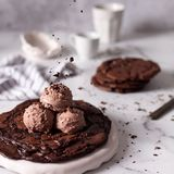 Crackle brownie cookie