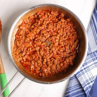the prepared meat sauce for lasagna