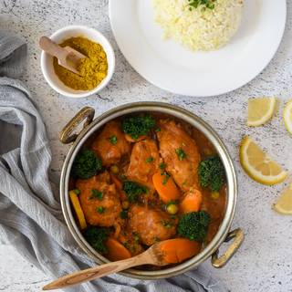 Finally, add steamed broccoli and green peas to your chickens and turn off the heat. Your curried chicken thigh is ready, you can enjoy it with some rice.