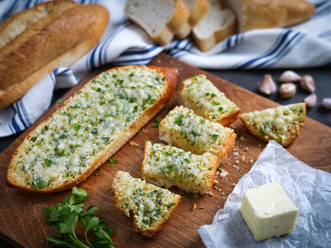 Buttery Garlic Bread with Parmesan Cheese