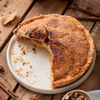 When your house is filled with the smell of apples and cinnamon, it probably means that your pie is ready and you can take it out of the oven.