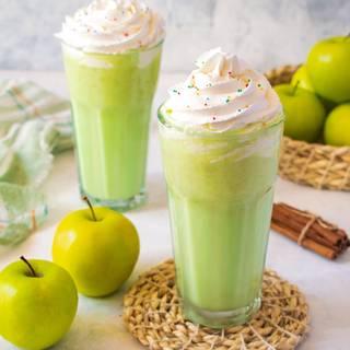 Easy Apple Milkshake Recipe