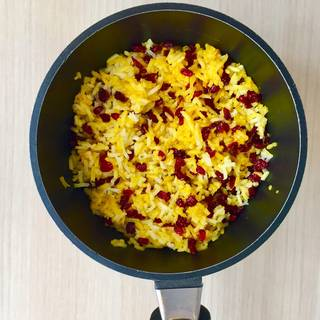 Barberry mixture with saffron rice
