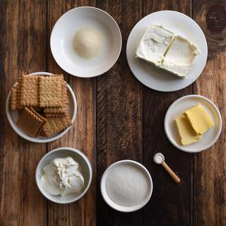 First, we are going to prepare the ingredients for making this yummy cheesecake. Take the butter out of your fridge so that it reaches room temperature.
