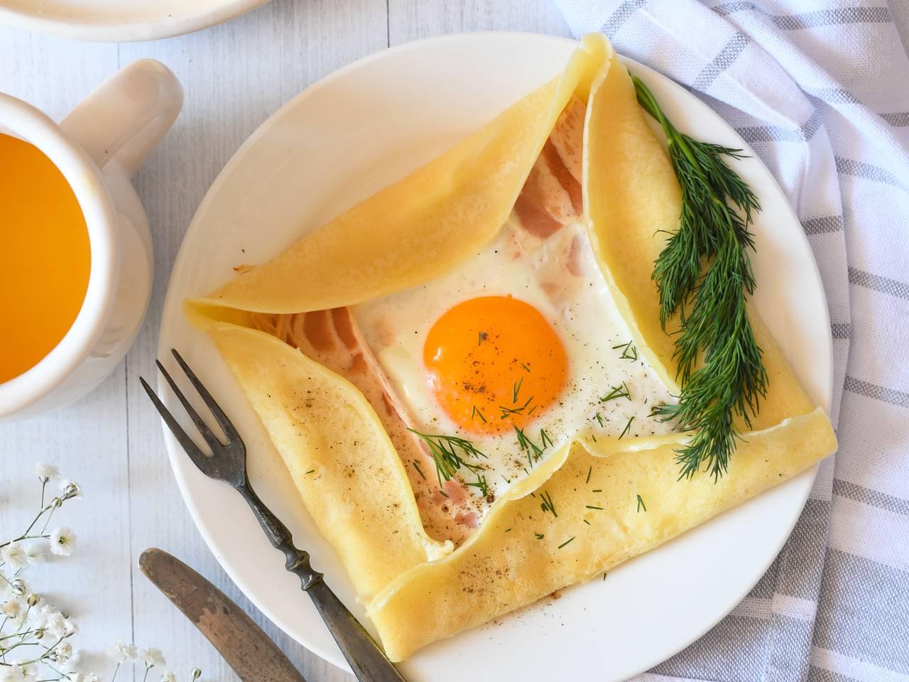 Easy Breakfast Egg Crepes