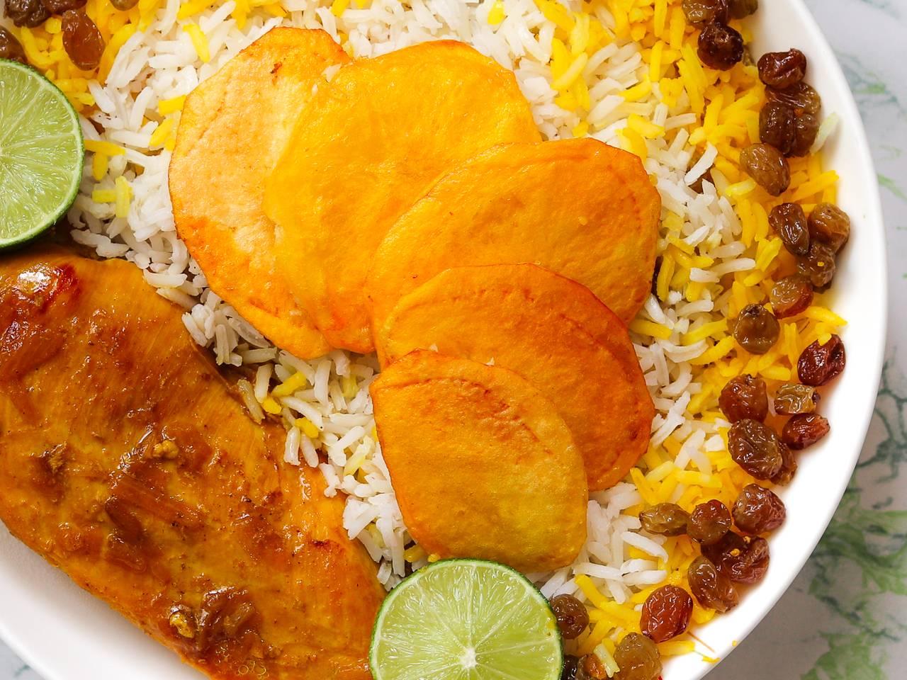 Keshmesh Polo ba Morgh – Raisin Rice with Chicken