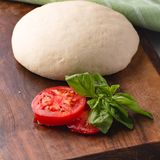 Easy and quick Italian pizza dough