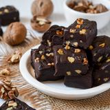 Easy chocolate walnut fudge