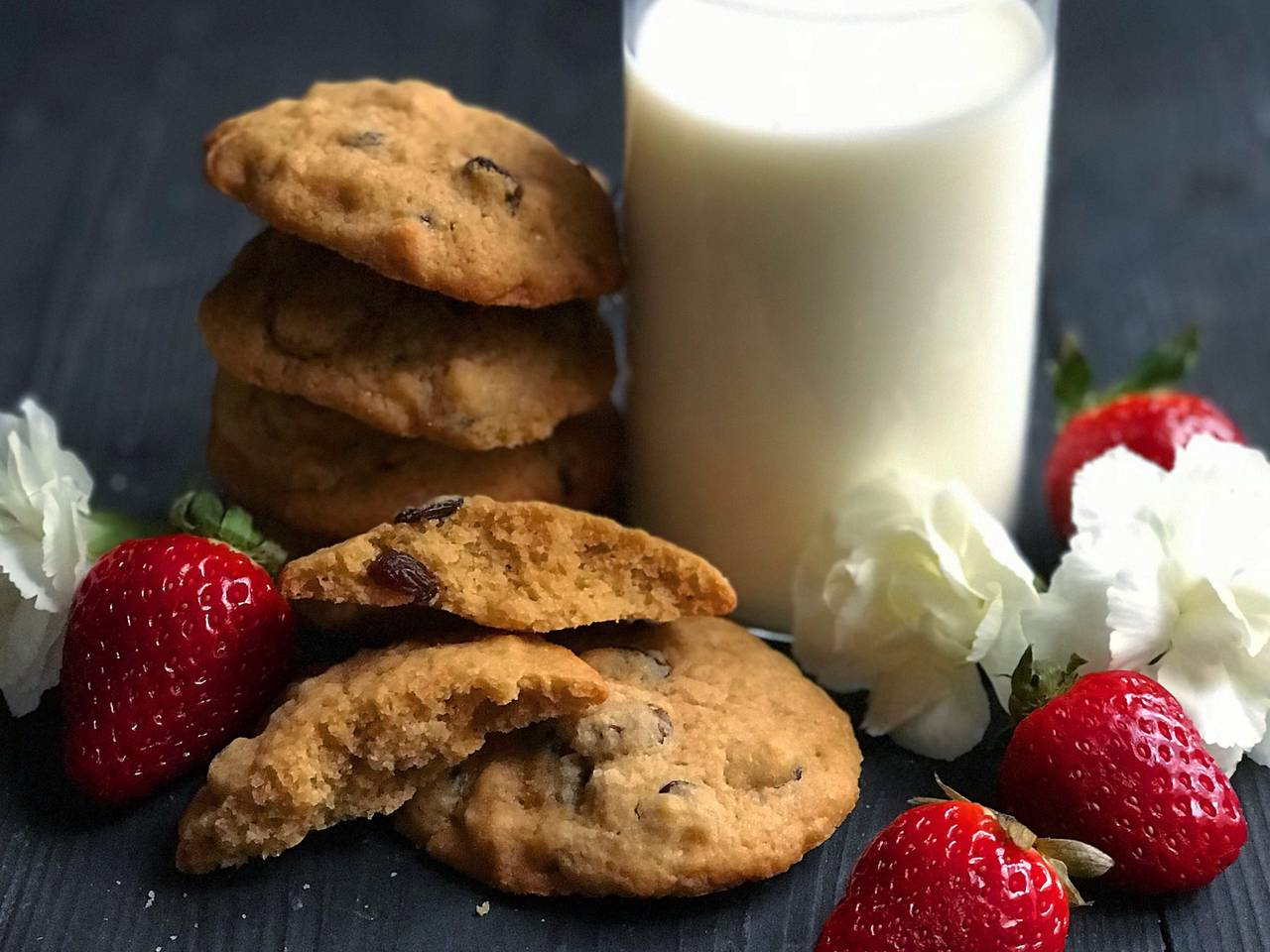 Walnut and Raisin Cookies Recipe