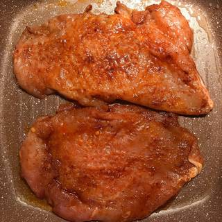 cook the chicken in vegetable oil
